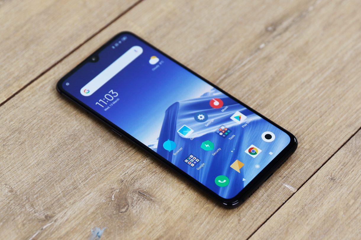 Xiaomi-Mi-9-1220x813