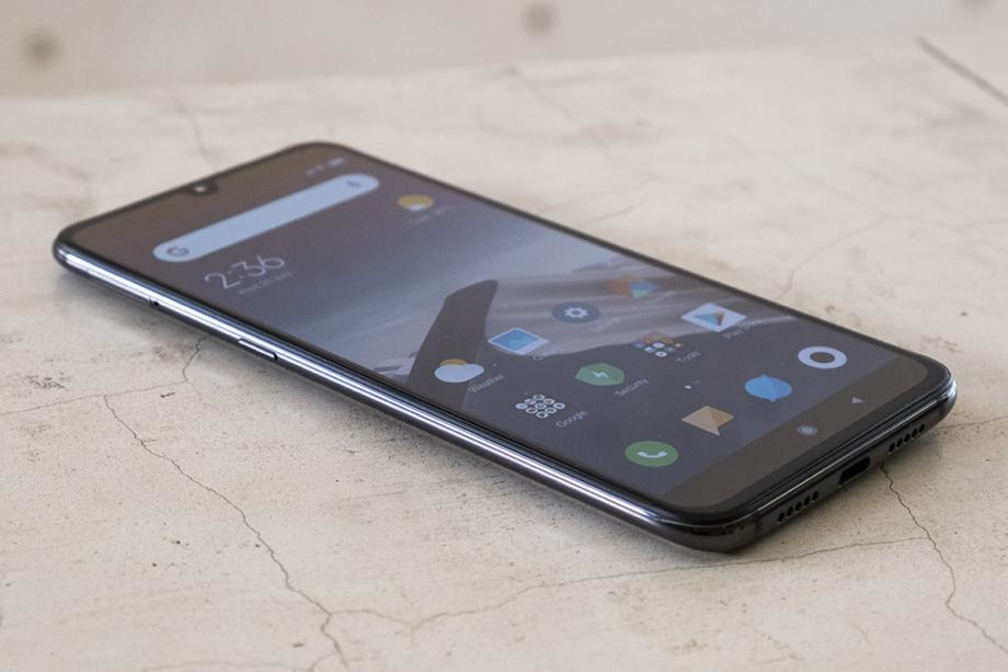 XiaomiMi 9-920x613