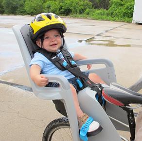 Кресло для перевозки ребнка на велосипеде