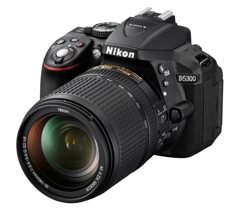 зеркальный Nikon D5300 Kit
