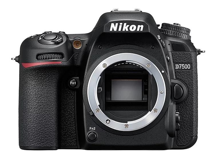 модель Nikon D7500 Body